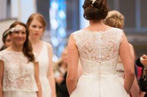 echtes Highlight erweisen sich die Brauthshows und Modenschauen, welche mehrmals täglich stattfinden – Hier erleben Sie Inspiration und Vorfreude auf Ihren eigenen, ganz großen Tag