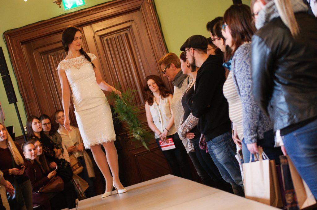 Brautsträusse sind ein grosses Thema der Hochzeitsmesse. Models präsentieren diese bei der Show.